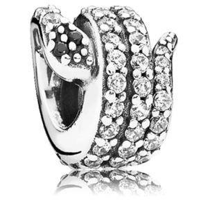 Pandora snake charm 🦋✨🦋✨🦋✨🦋✨✨✨✨✨🦋🦋🦋🦋🦋